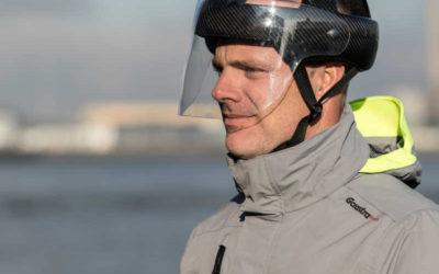Composite_Carbon_Fibre_Sailing_VolvoOceanrace_Jules-Dock